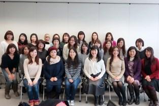 国際自動車(KMタクシー)様 女性新入社員&女性ドライバーのためのメイク研修
