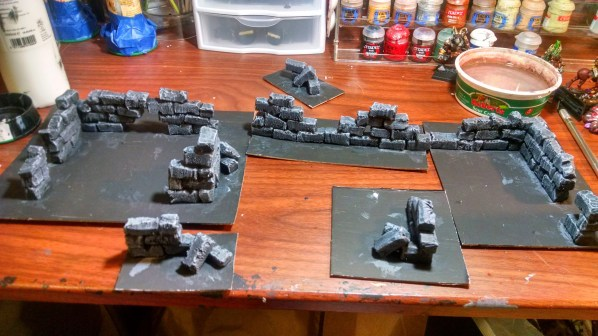 Painting complete on the ruined walls terrain pieces. Click to Enlarge.