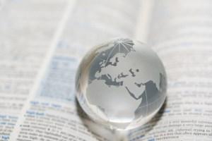 Paper weight, Globe