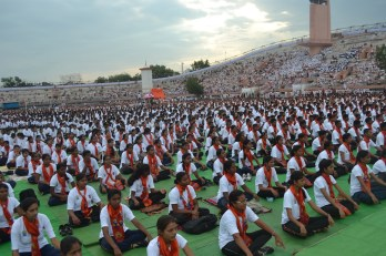 21st June JS Yog International Yoga Day Yashwant Stadium, Nagpur CM Devendra Fadnavis Union Minister Nitin Gadkari_121