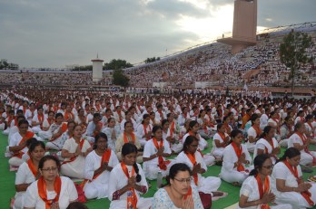 21st June JS Yog International Yoga Day Yashwant Stadium, Nagpur CM Devendra Fadnavis Union Minister Nitin Gadkari_135