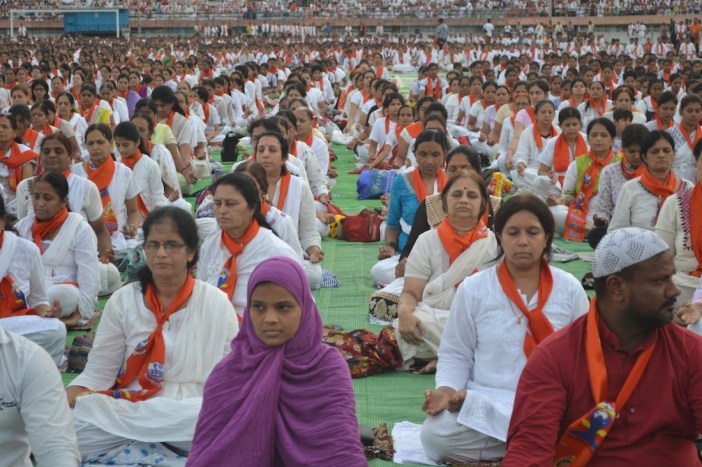 Nagpurians unite for Yoga