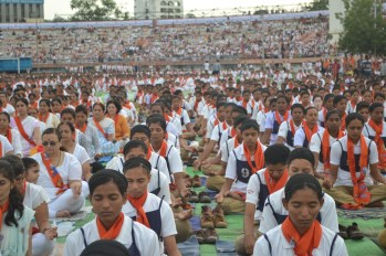 21st June JS Yog International Yoga Day Yashwant Stadium, Nagpur CM Devendra Fadnavis Union Minister Nitin Gadkari_34