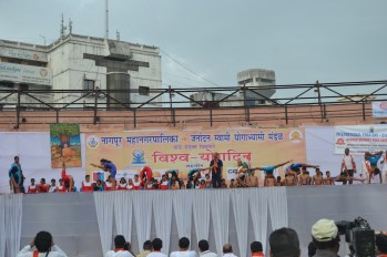 21st June JS Yog International Yoga Day Yashwant Stadium, Nagpur CM Devendra Fadnavis Union Minister Nitin Gadkari_62