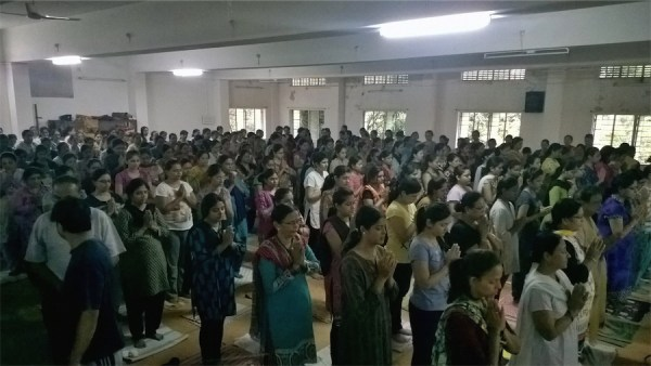 another yoga record broken - over 500 for free monhtly yoga class JS yog_10