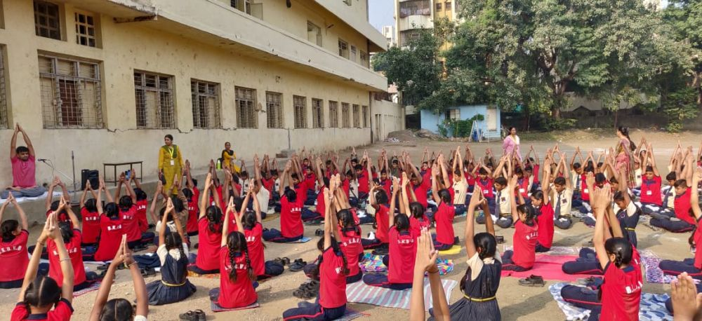 Bipin-Bose-Dhantoli-3-12-19-Inter-school-yoga-competition-training-2019