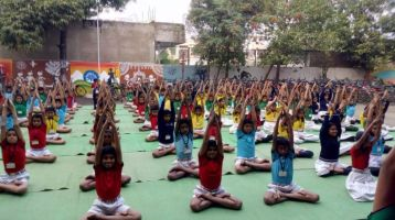 Gayatri-Convent-New-Nandanvan-19-12-19-Inter-school-yoga-competition-training-2019