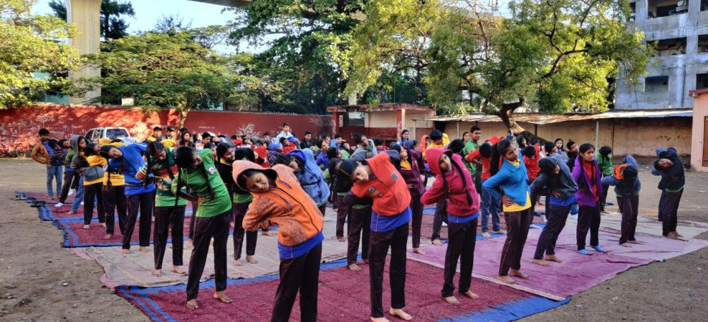 Madangopal-high-School-30-12-19-Inter-school-yoga-competition-training-2019