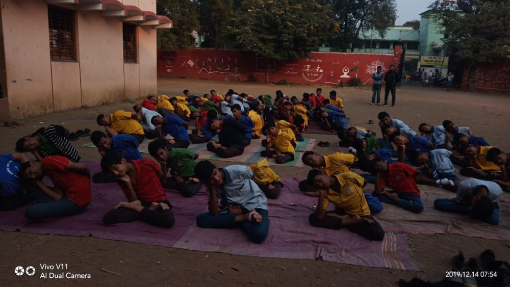 Madangopal-school-8th-9th-Class-16-12-19-Inter-school-yoga-competition-training-2019-1