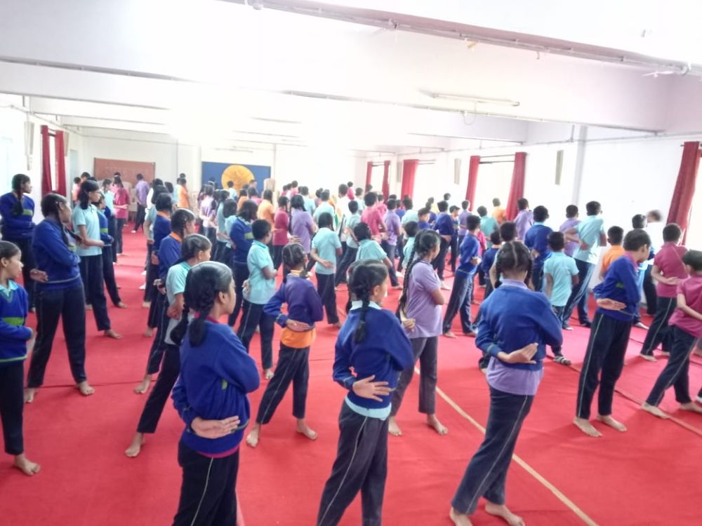 Mundle-Public-school-21-12-19-Inter-school-yoga-competition-training-2019-1