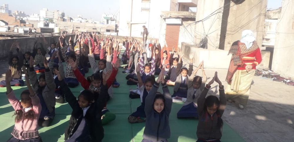 Prakash-Kanya-high-school-Agrasen-chowk-27-12-19-Inter-school-yoga-competition-training-2019