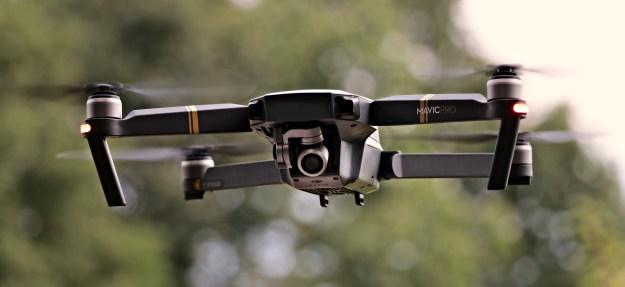 drone-2724257_1920