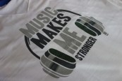 t-shirt-music-make-me-strong-zoom
