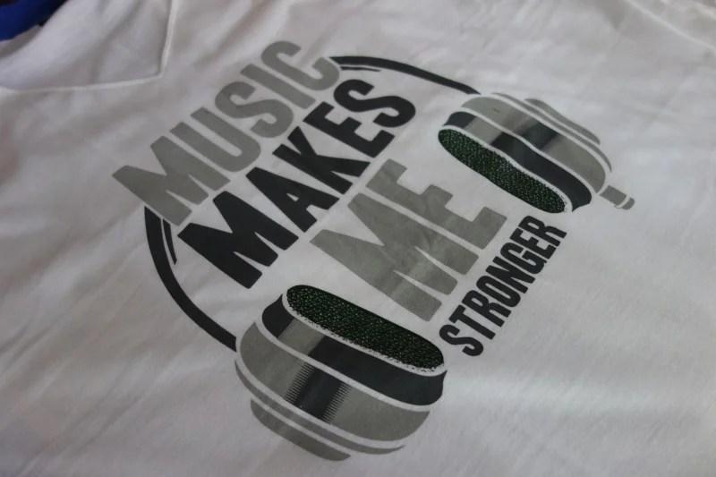 t-shirt-music-make-me-strong-zoom