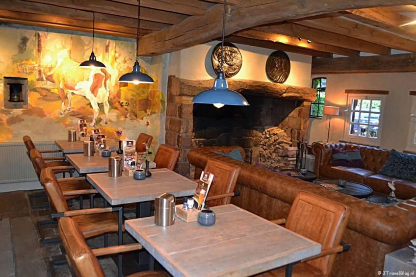 Het restaurant van Herberg de Gouden Leeuw in Bronkhorst