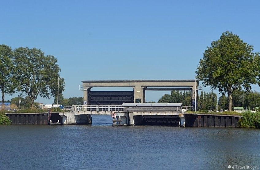De Oosterringdijk tijdens de 1e etappe van het Westerborkpad