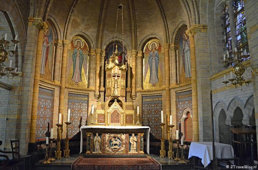 Een kapel in de Koepelkathedraal in Haarlem
