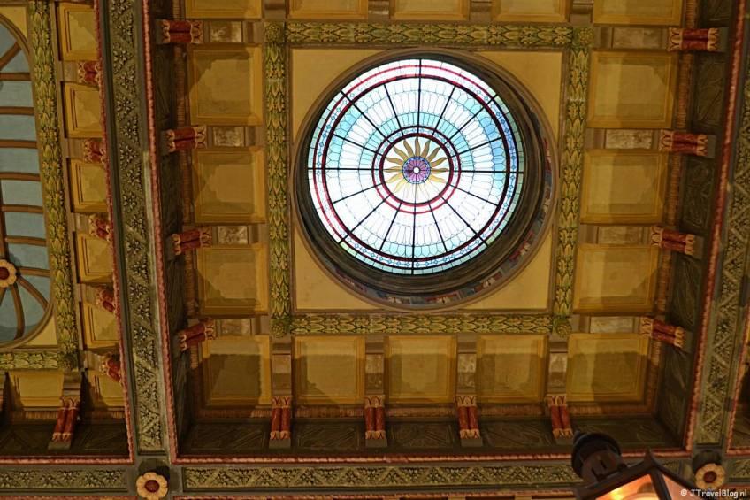 Het plafond in het Stationsgebouw van Groningen