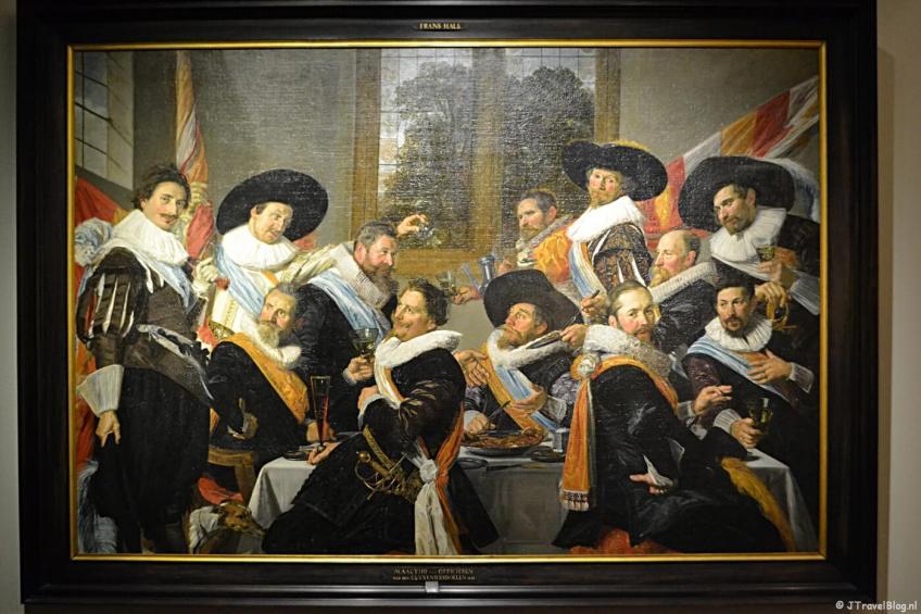 Het schilderij Feestmaal van de officieren van de Cluveniers van Frans Hals uit 1627 in het Frans Hals Museum in Haarlem