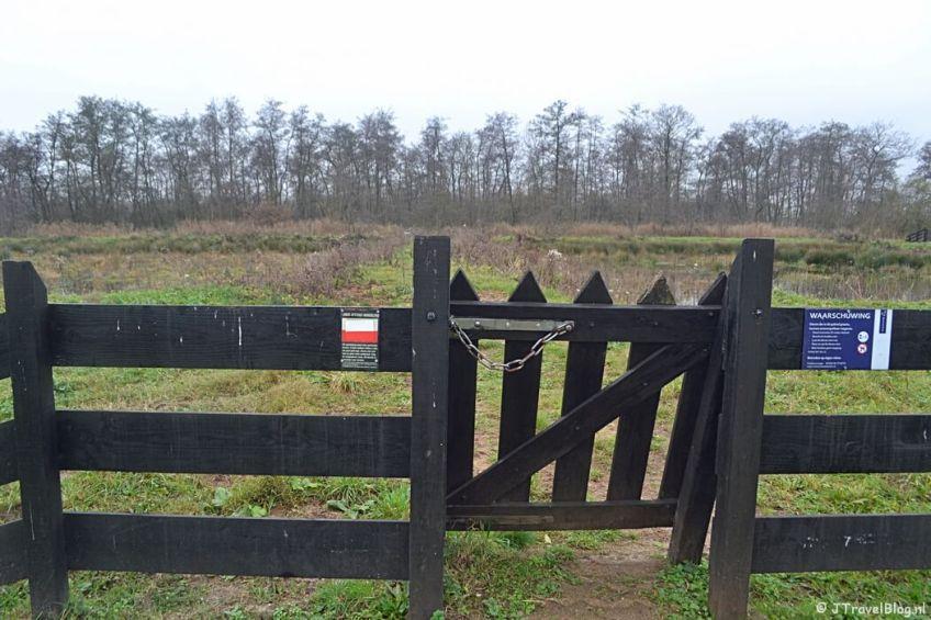 Een klaphek aan de Meerkade tijdens de 4e etappe van het Westerborkpad