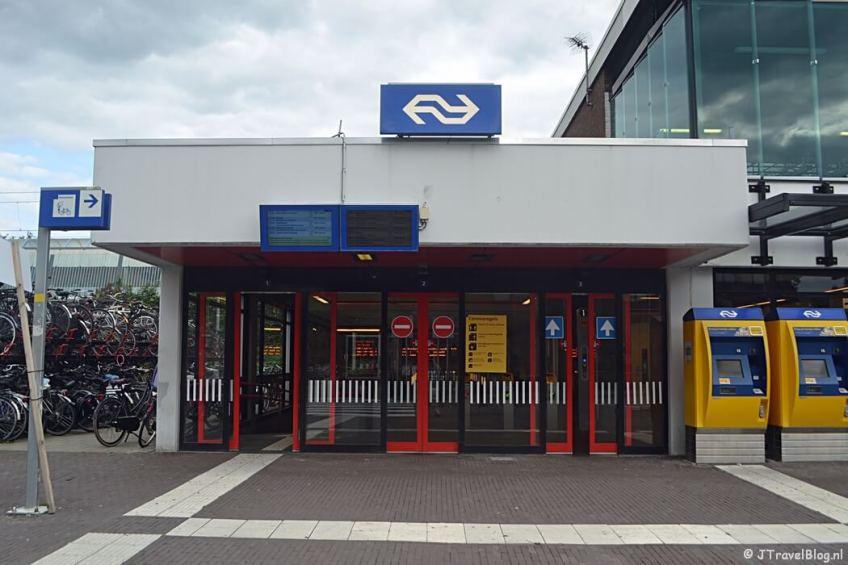 Het station van Weesp tijdens de 2e etappe van het Westerborkpad