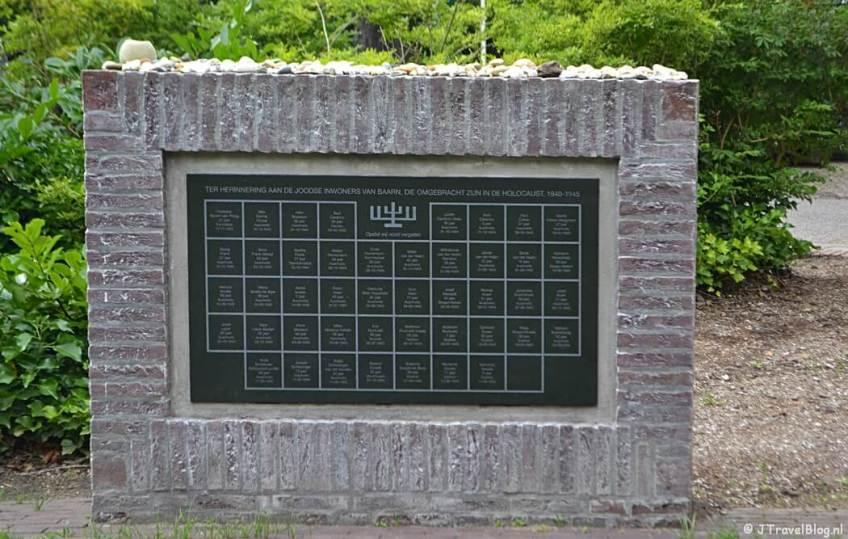Joods monument in Baarn tijdens de 7e etappe van het Westerborkpad