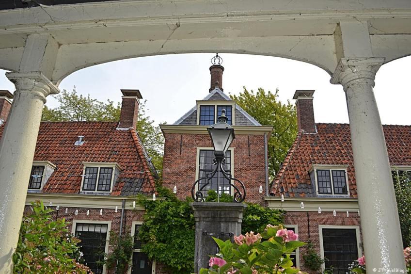 Eva van Hoogeveenhofje in Leiden