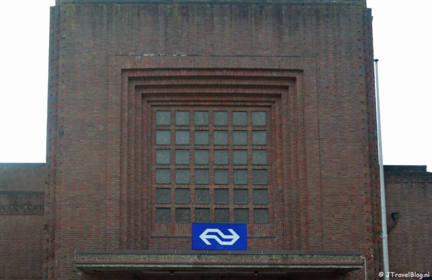 Het Station van Naarden-Bussum tijdens de 4e etappe van het Westerborkpad