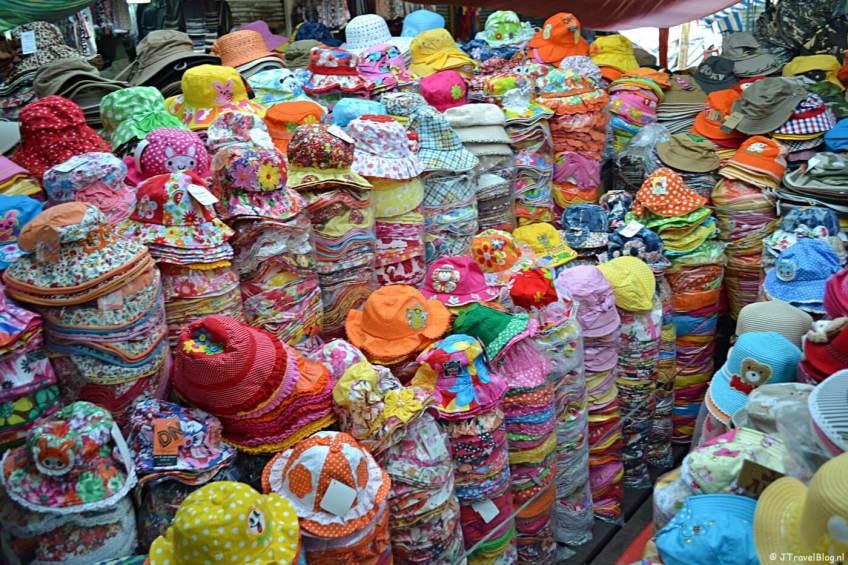 Hoedjes op de Ben Thanh markt in Ho Chi Minh City/Vietnam