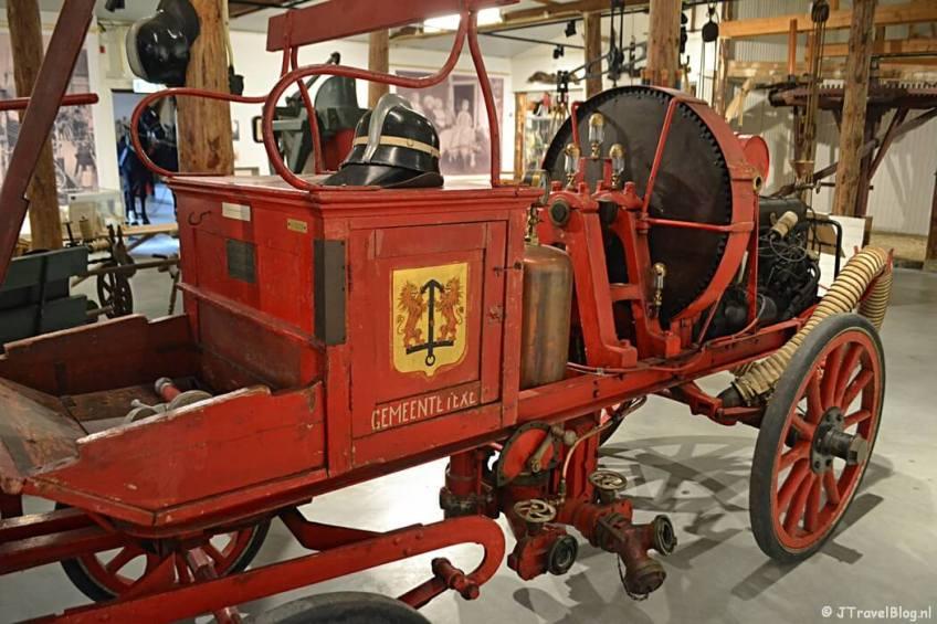 Brandweerauto in het Cultuurhistorisch Museum Texel in De Waal/Texel