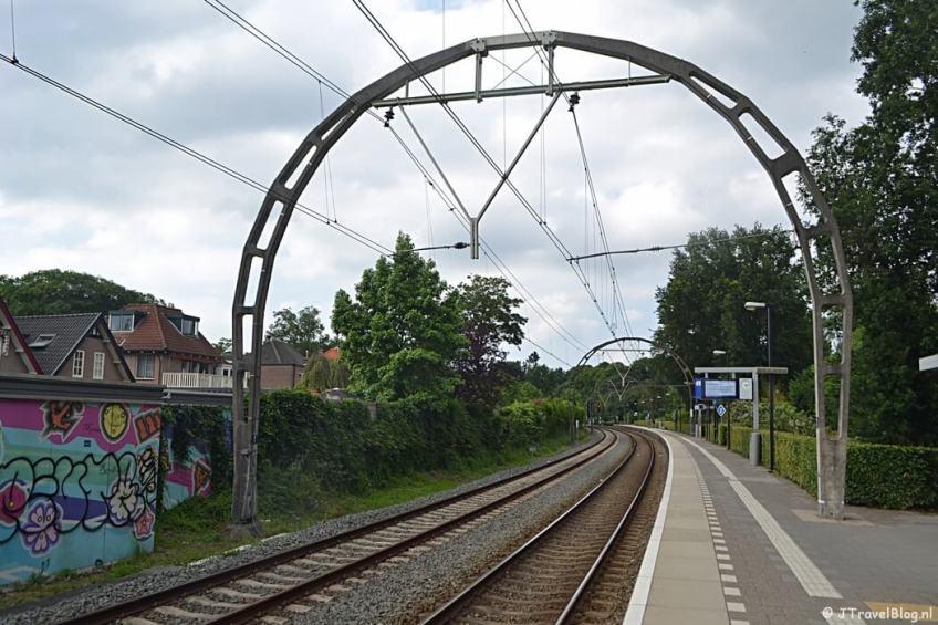 Station Hilversum Sportpark tijdens de 6e etappe van het Westerborkpad