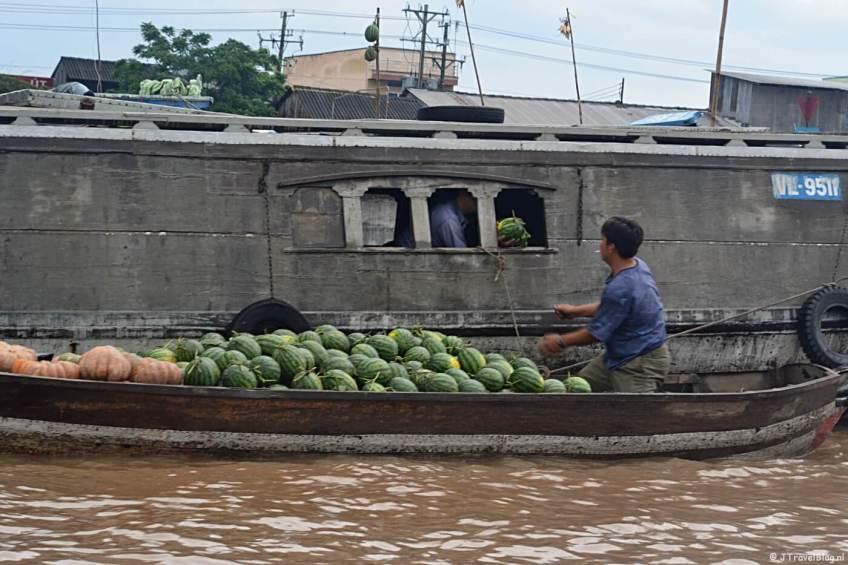 De drijvende markt in de Mekong Delta