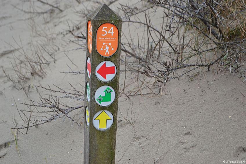Wandelen in de duinen van IJmuiden: paaltje 54