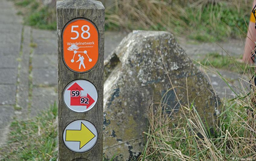 Wandelen in de duinen van IJmuiden: paaltje 58