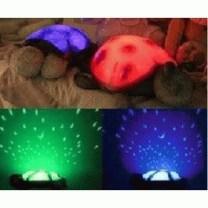Turtle projector atau Proyektor Kura-kura yg memancarkan cahaya bulan & bintang ke dinding dan atap kamar. Warna bisa berganti-ganti secara otomatis... yg akan menghiasi malam anak anda dengan suasana nyaman.. Selain itu, cahayanya juga bisa membantu menyamankan suasana otak. Juga dapat menjadi teman tidur anak yg dapat dipeluk, aman karena berbahan kain boneka... proyektor kura-kura ini dilengkapi dengan instrumental musik classic.Anak jadi pengen cepet Bobo n gak takut lagi dalam kegelapan.(^_*) Power : 3x AAA Battery Light : mempunyai 3 settingan warna lampu, hijau / biru / kuning gelap.