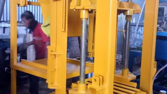 0813.5495.4655(Tsel)Jual mesin paving block di Bontang