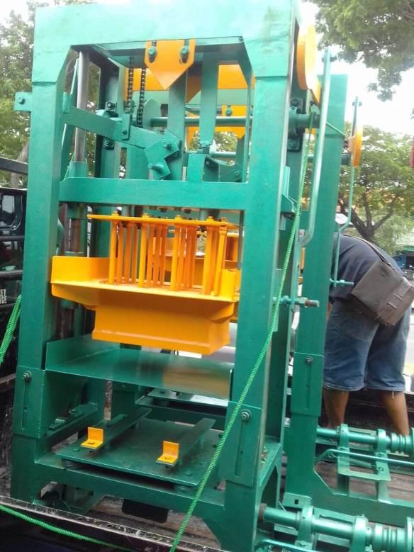 Jual mesin paving block murah di Donggala