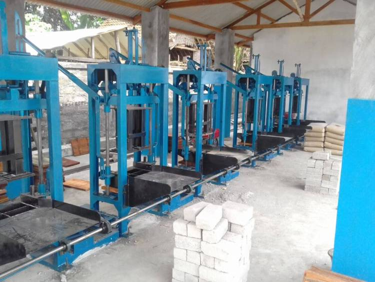 Jual mesin paving blok manual Manado