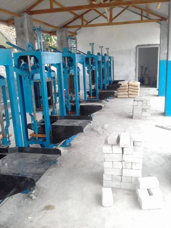 Jual mesin paving block manual di Manado