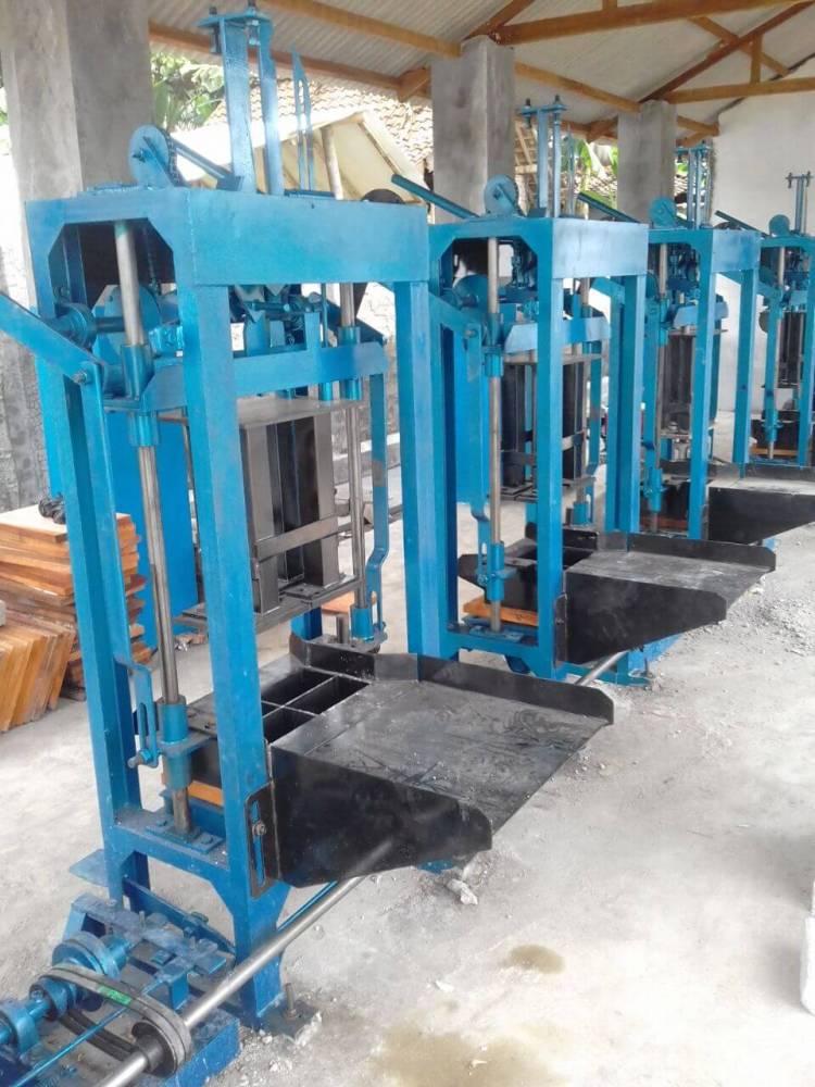 Jual mesin paving block di Manado
