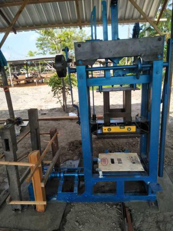 Jual mesin buat paving block di Kabupaten Maluku tenggara barat