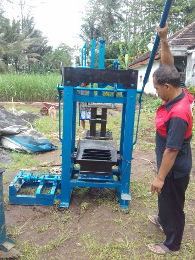 jual mesin paving block Bau-bau