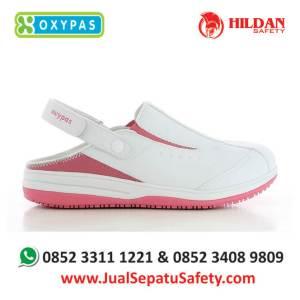 iris-fux-jual-sepatu-rumah-sakit