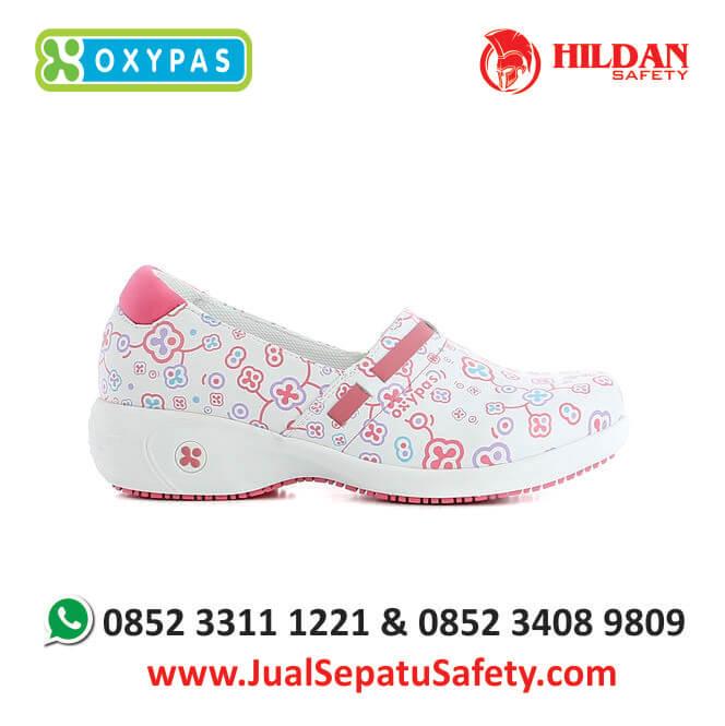 lucia-flr-jual-sepatu-rumah-sakit