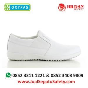 roy-wht-jual-sepatu-perawat-medis