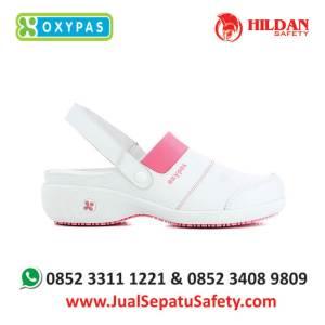 sandy-fux-jual-sepatu-perawat-rumah-sakit