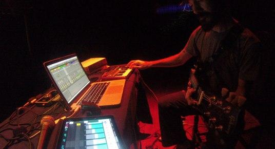 Juan Carrizo dada en Rio Grande - teclado-y-viola