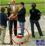 """Sarkozy necesita alzas en sus zapatos de tacón y, a veces, un """"suplemento"""""""