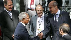 Garitano saluda a Kofi Annan