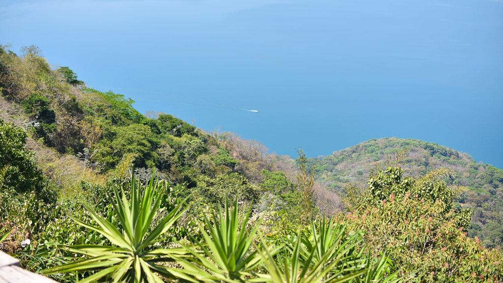 Lago de Ilopango desde Café Santa Cruz, San Francisco Chinameca, La Paz